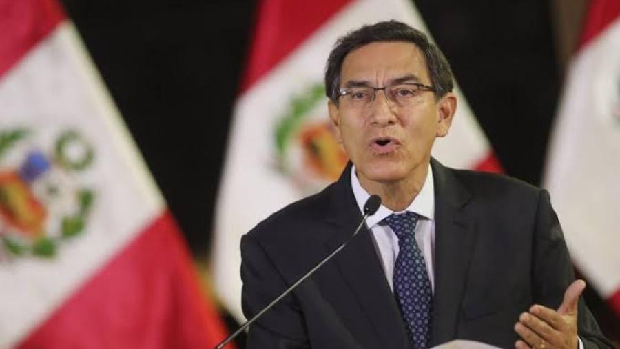 Vizcarra convoca a elecciones generales para abril del 2021 en Perú