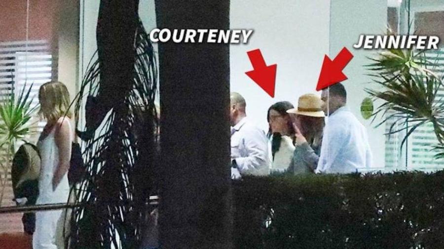 Jet privado de Jennifer Aniston aterriza de emergencia