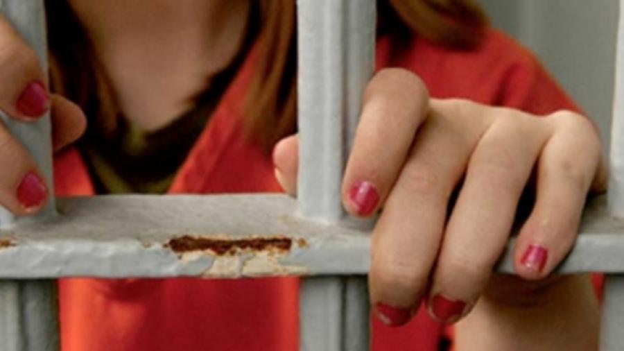 Maestra acusada de abuso sexual en kínder es detenida