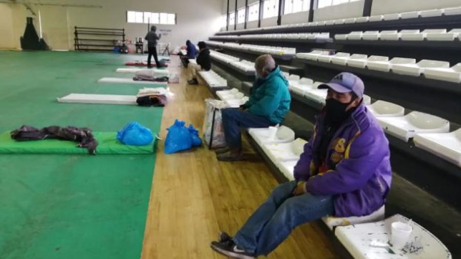 Atienden a primeros refugiados por el frio en Matamoros
