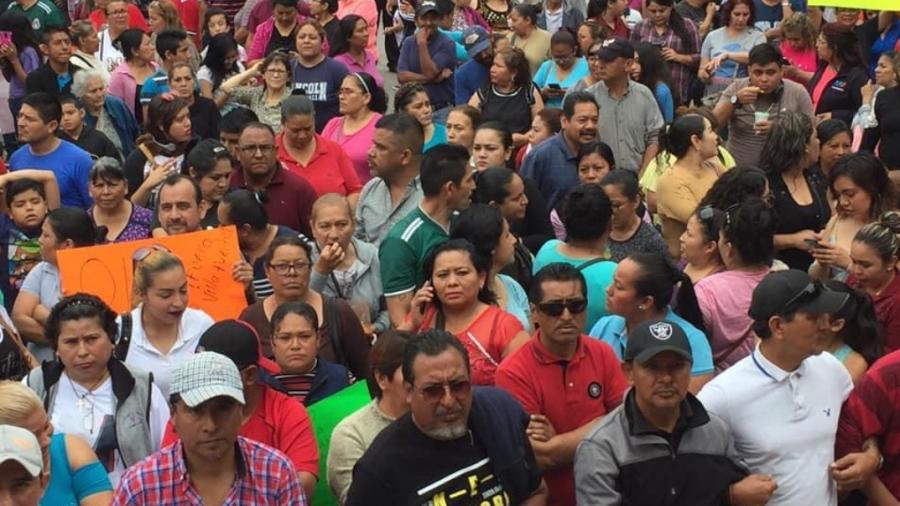 Inician obreros destitución de líderes sindicales
