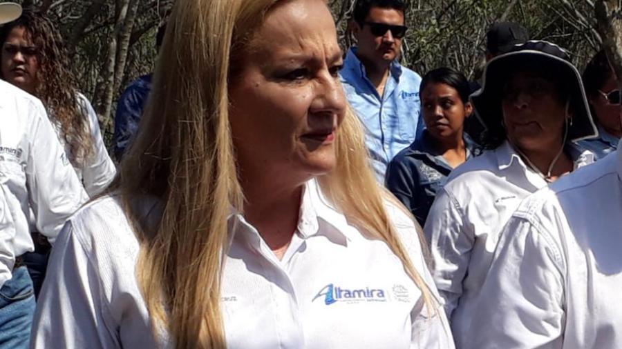 Llevan agua a quienes lo requieren en el campo de Altamira