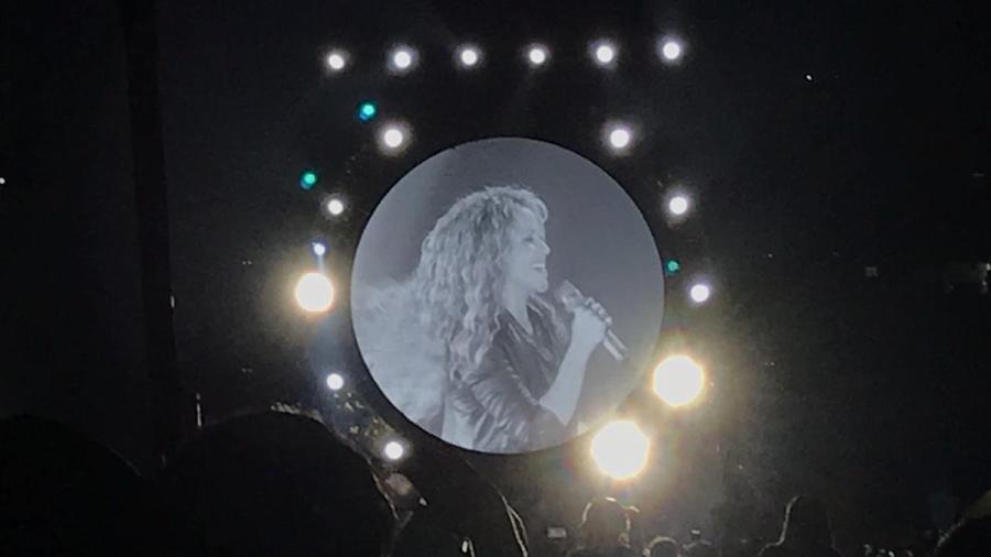 La lluvia no pudo detener a Shakira en la CDMX