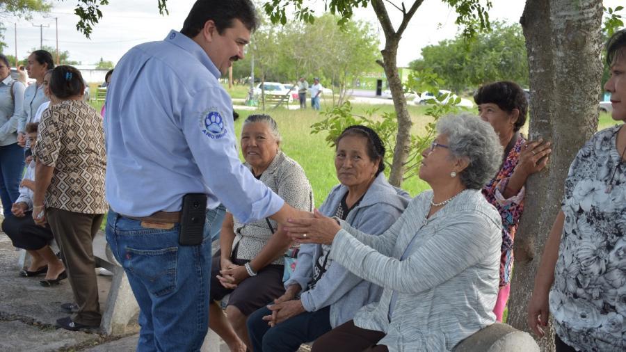 Visita Presidente Municipal, Carlos Ulivarri, ejidos de la zona sur