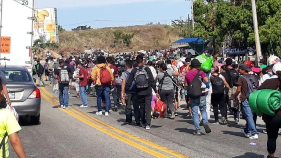 Cuarta caravana migrante inicia su viaje hacia EU