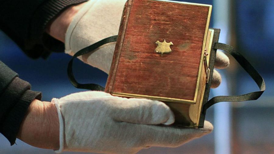 Trump jurará como presidente con una Biblia suya y otra usada por Lincoln