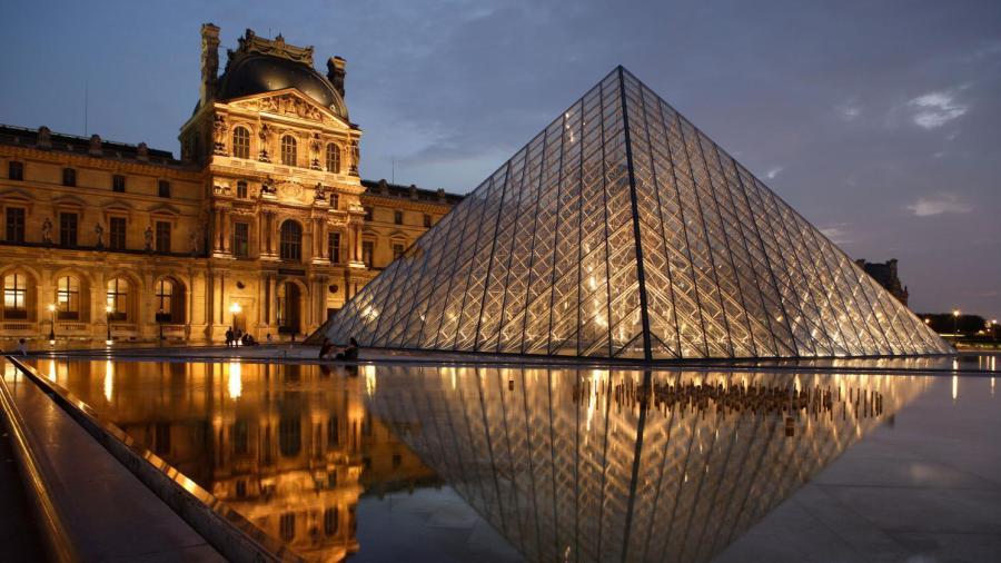 Trasladan obras de Notre Dame a Louvre para su resguardo
