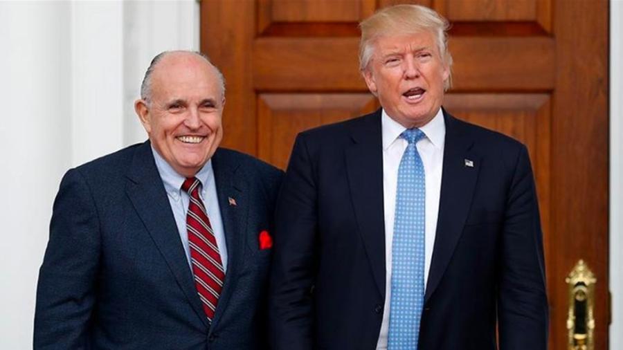 Fiscales federales investigan al abogado de Trump