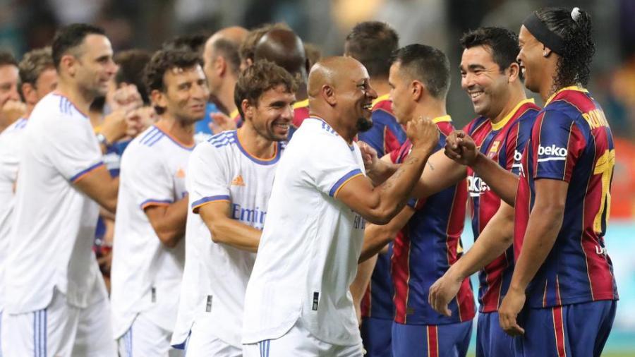 Real Madrid se lleva el 'Clásico de Leyendas' ante el Barcelona