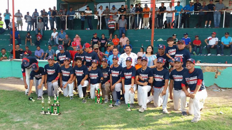 Ayuntamiento felicita a equipo de béisbol