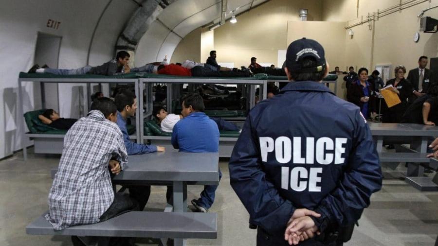 ICE busca deportar inmigrantes indocumentados que no han partido voluntariamente de EU