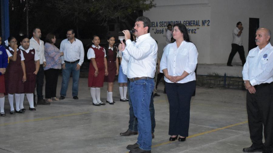 Donará Presidente Municipal 35 por ciento de su sueldo a escuelas