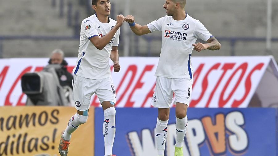 Cruz azul golea a Pumas en la Copa GNP