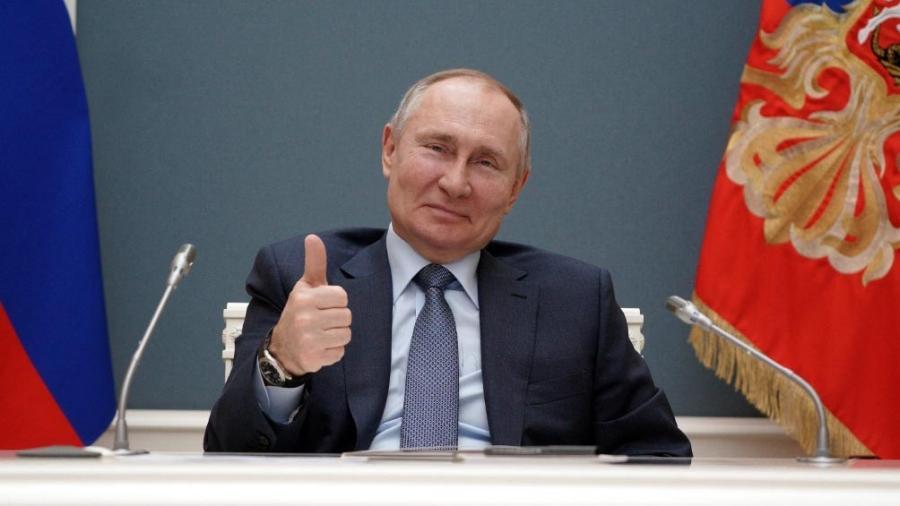 Vladimir Putin recibe segunda dosis de vacuna contra el COVID-19