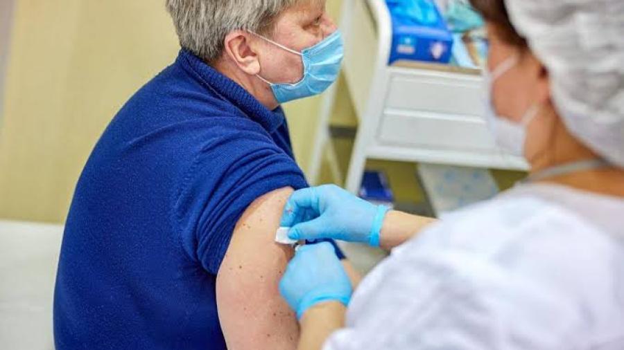 Rusia rifará automóviles a quienes se hayan vacunado contra el Covid