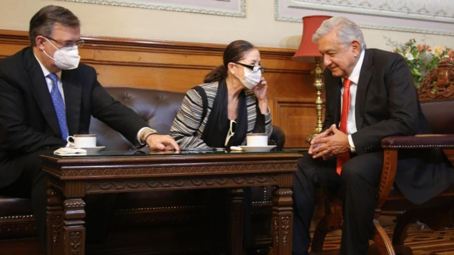 Conversa AMLO con Kamala Harris; acuerdan envío a México de un millón de vacunas de Johnson & Johnson