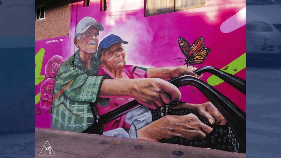 Artista inmortaliza en mural a matrimonio de abuelitos