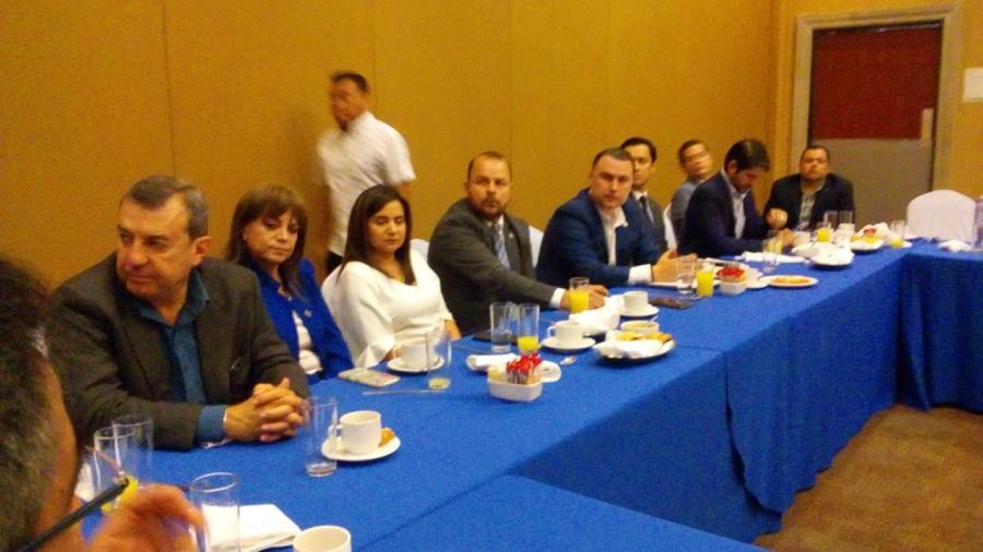 Empresarios de Matamoros se reunen con Gerardo Peña