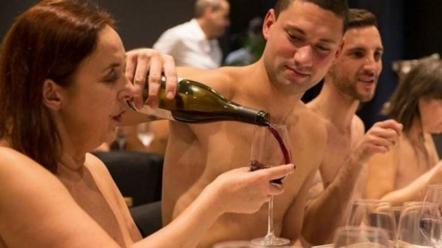 Cierra sus puertas el primer restaurante nudista de París
