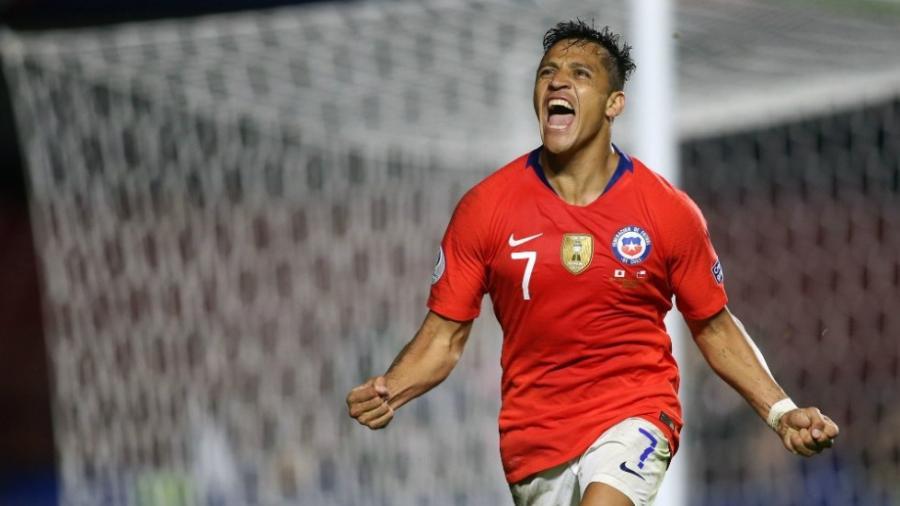Chile debuta con goleada frente a Japón