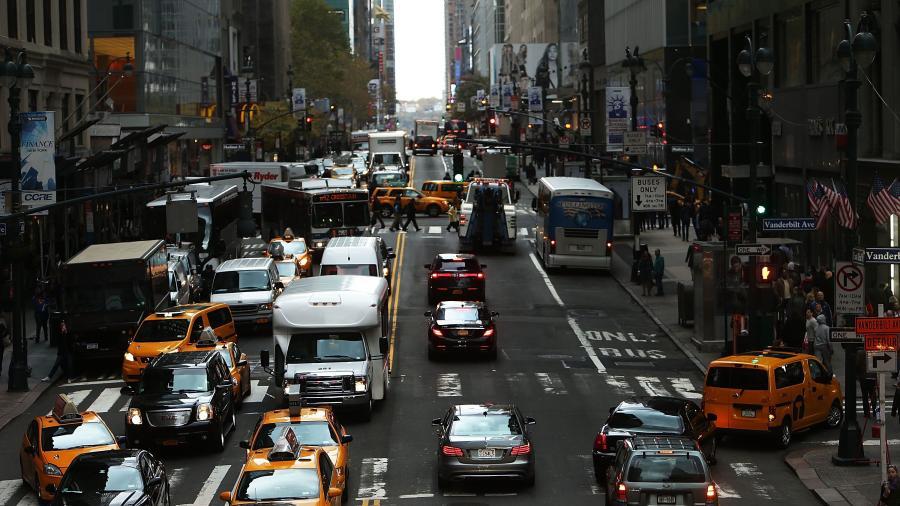 NY podría otorgar licencia de manejo para migrantes