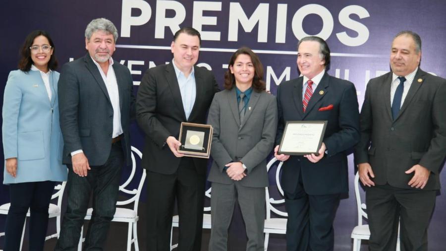 Entrega estado más de 350 mil pesos en premios a jóvenes Tamaulipecos