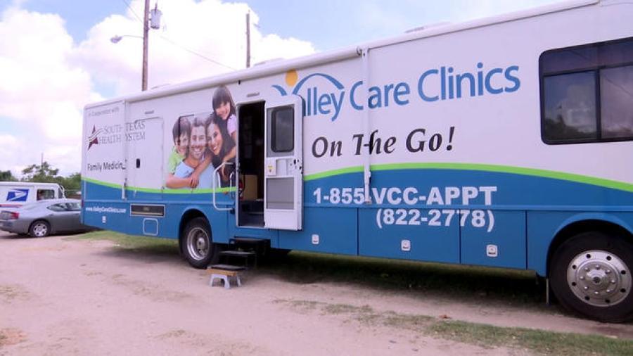 Llevan clínica de salud móvil en Weslaco
