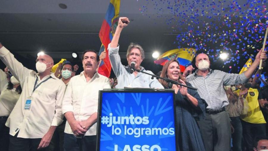 Guillermo Lasso gana presidencia de Ecuador en segunda vuelta