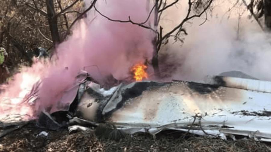 Dos muertos tras desplome de avioneta en Atizapán