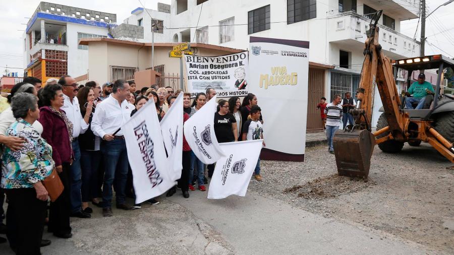 Alcalde da banderazo a obras en Fraccionamiento Arboledas