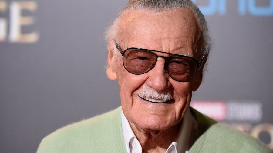Acusan a exmánager de abuso y fraude a Stan Lee