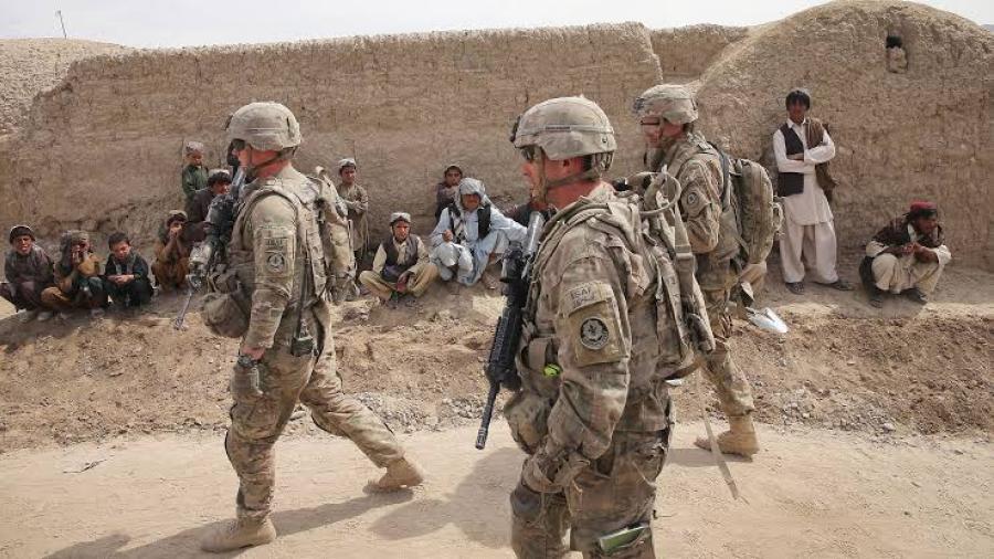 Joe Biden revoca veto de personas transgénero para servir en el Ejército