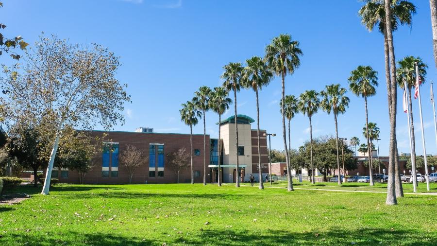 South Texas College ofrecerá clases presenciales y en línea