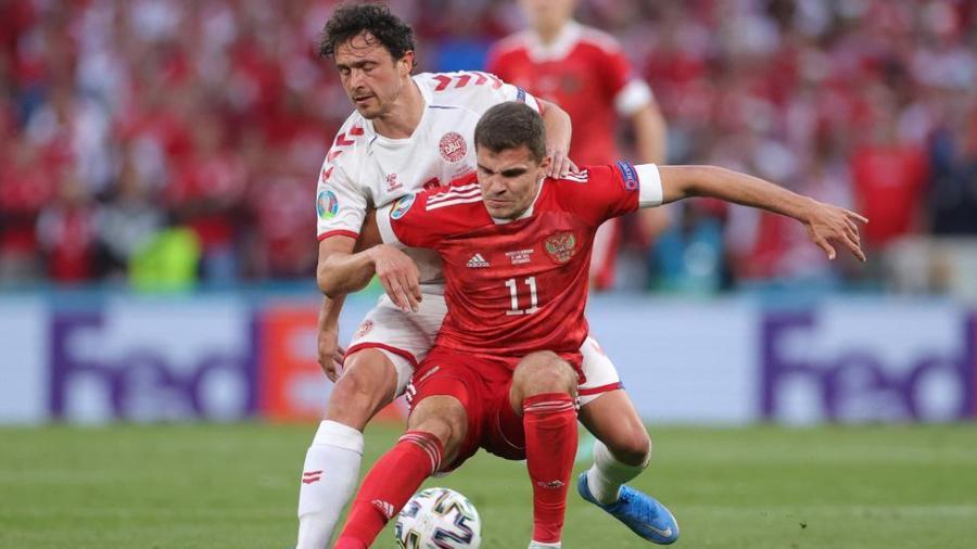 Dinamarca pasa a Octavos de Eurocopa tras golear a Rusia
