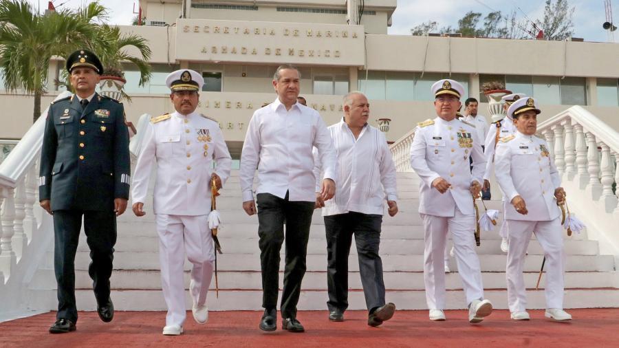 Asiste alcalde a toma de protesta del Vicealmirante Flavio del Ángel García