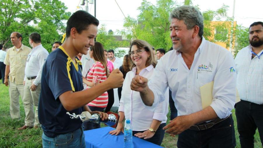 """Atiende """"Xico"""" múltiples necesidades en Colinas del Valle"""