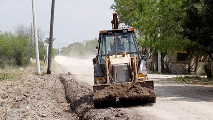 Trabajan en revestimiento de calles del municipio