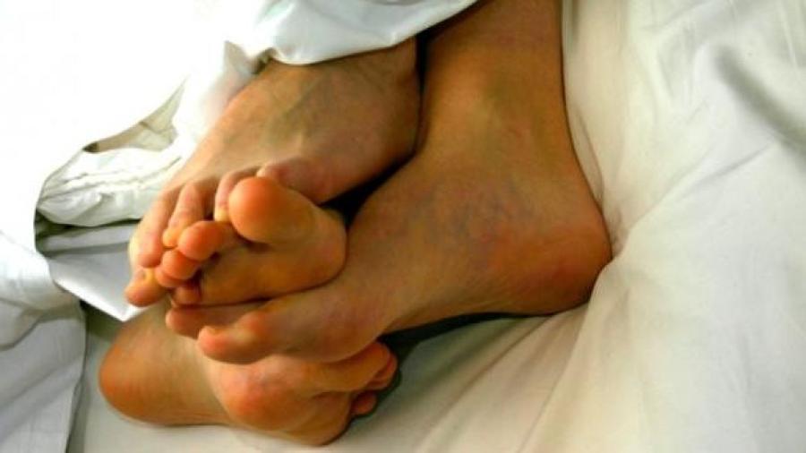 Mujer muere de infarto durante el sexo en su noche de bodas