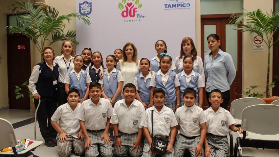 Respalda Aida Feres de Nader desarrollo formativo de niños difusores de Tampico