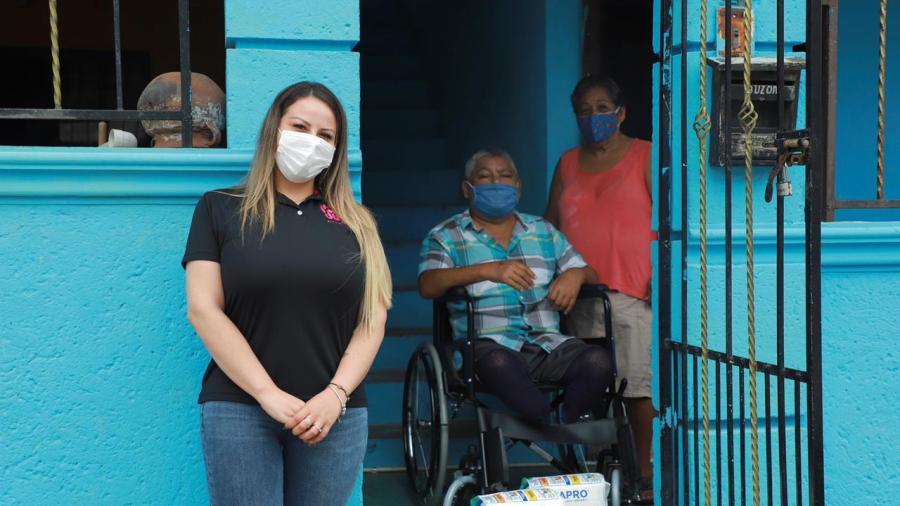 Comprometida Alma Laura Hernández con población vulnerable