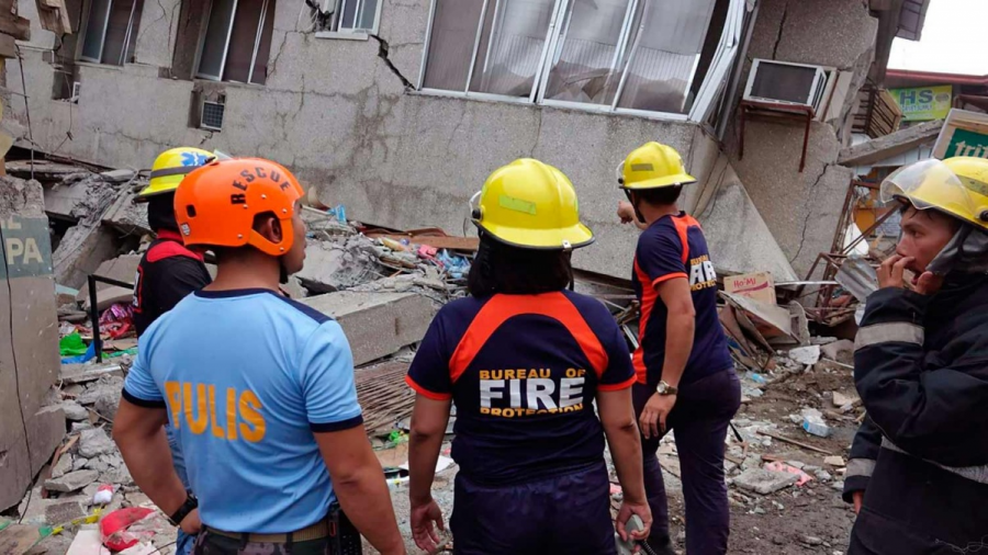 Sismo de 6.8 en Filipinas, hay un muerto