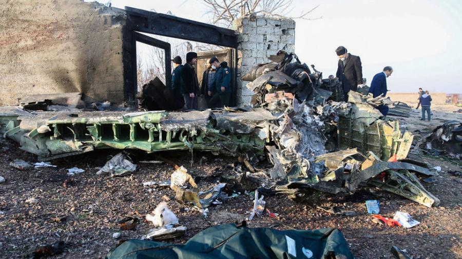Revelan video del momento en el que avión ucraniano es golpeado por misil iraní