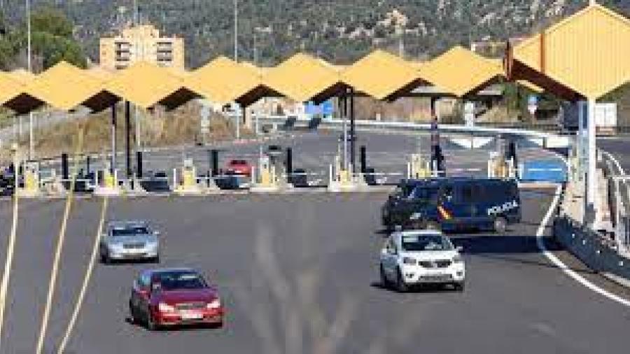 Detienen en España a conductor que llevaba un cadáver de copiloto