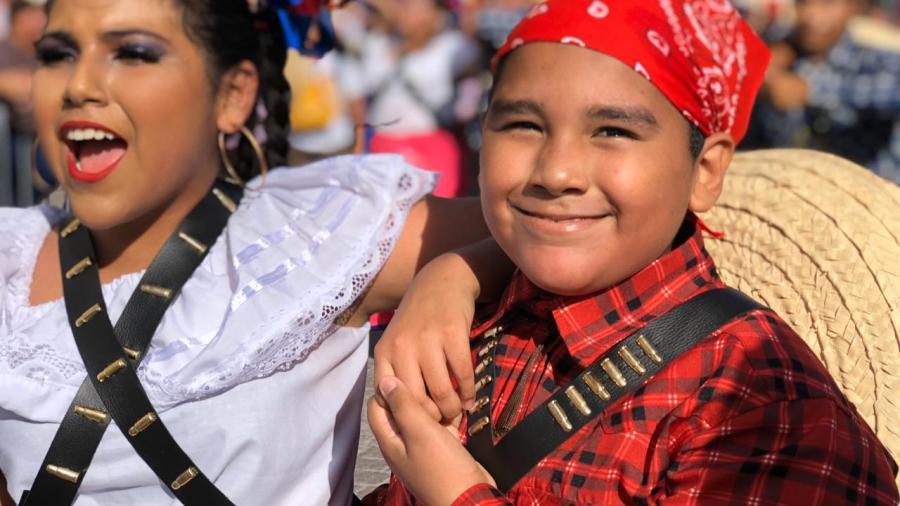 Desfilan en Matamoros por el 109 Aniversario de la Revolución Mexicana