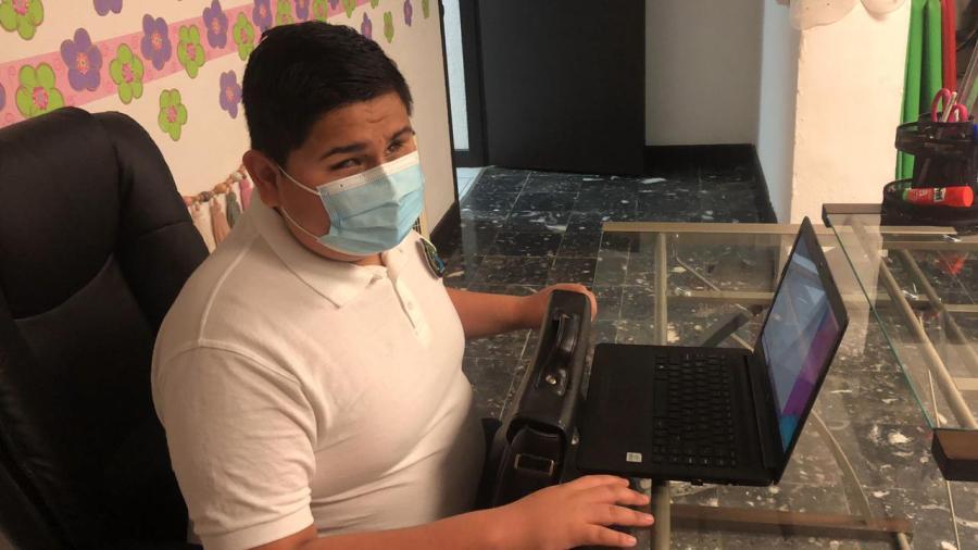 La doble adaptación: educación virtual para personas con discapacidad visual