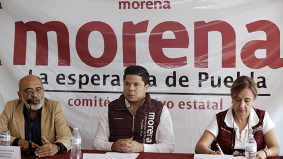 Hay órdenes de aprehensión contra dirigentes en Puebla: Morena