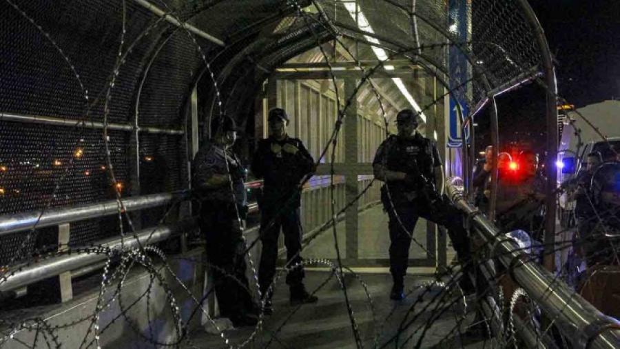 Cierran Puente Internacional de El Paso ante presencia de migrantes