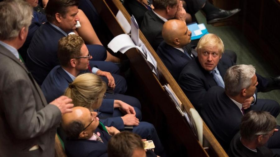 Aprueban proyecto para evitar un 'Brexit' Duro