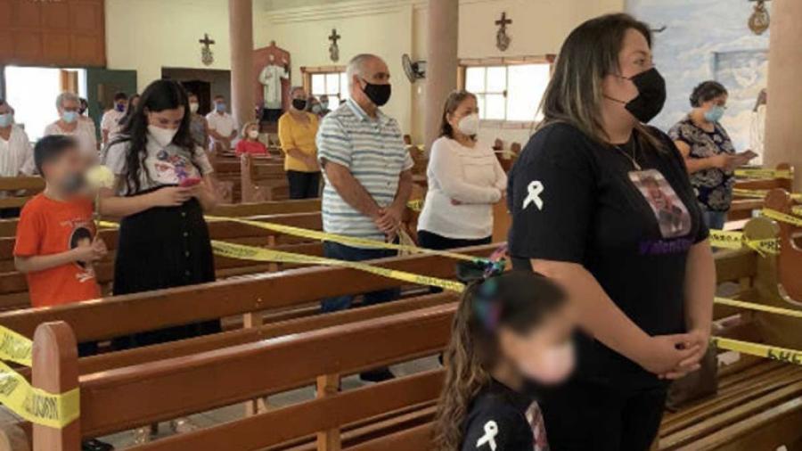Padres de víctimas del incendio de Guardería ABC realizan misa en memoria de sus hijos