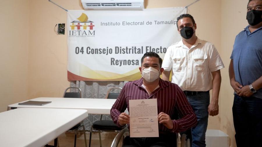 Recibe Marco Gallegos constancia como diputado electo del Distrito 4 de Reynosa